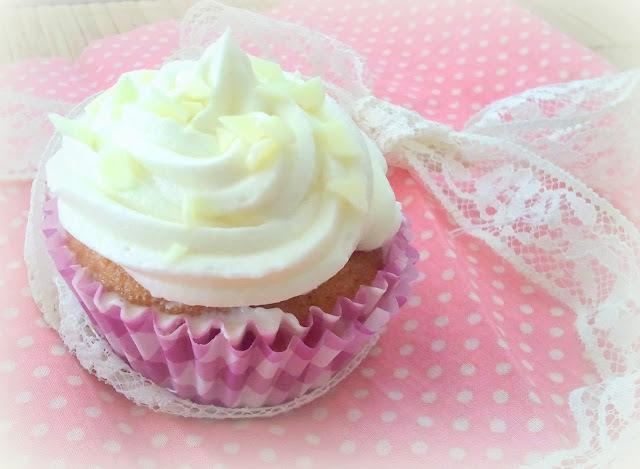 Cup Cakes con crema de chocolate blanco