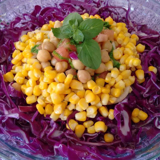 Salada Colorida com Grão de Bico