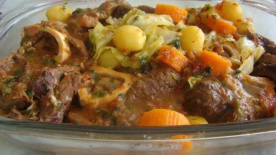 de sopa de legumes com osso buco