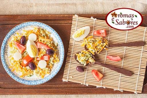 Salada de coucous marroquino com palmito, tomate e ovos