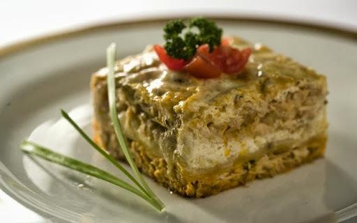 lasanha de frango cm presunto e queijo e molho branco