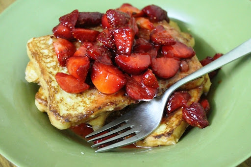 French Toast Recipe / Strawberries with French Toast
