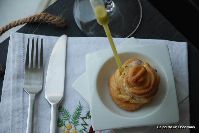 Petits Choux à la Crème de Sardines, sauce Coriandre Citronnée