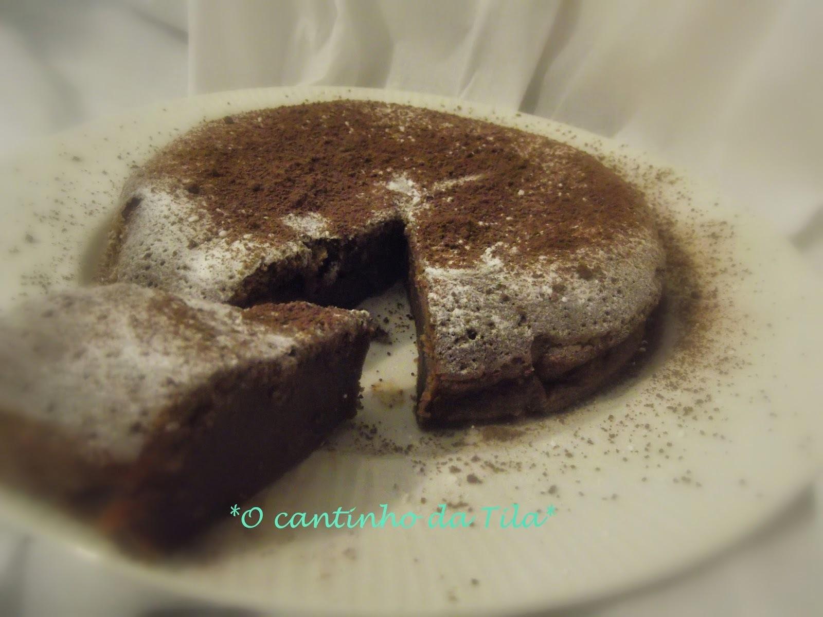 Bolo de chocolate de coração mole