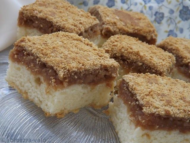 Fordított almás süti kekszmorzsával