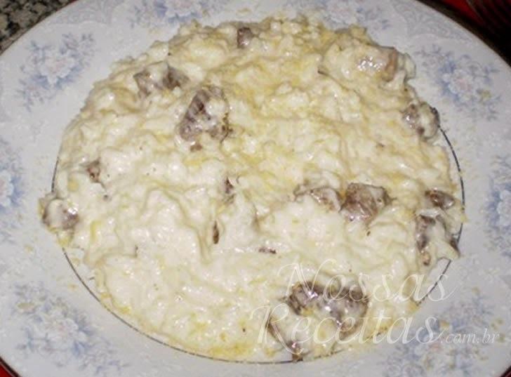 Arroz de queijo com carne de sol