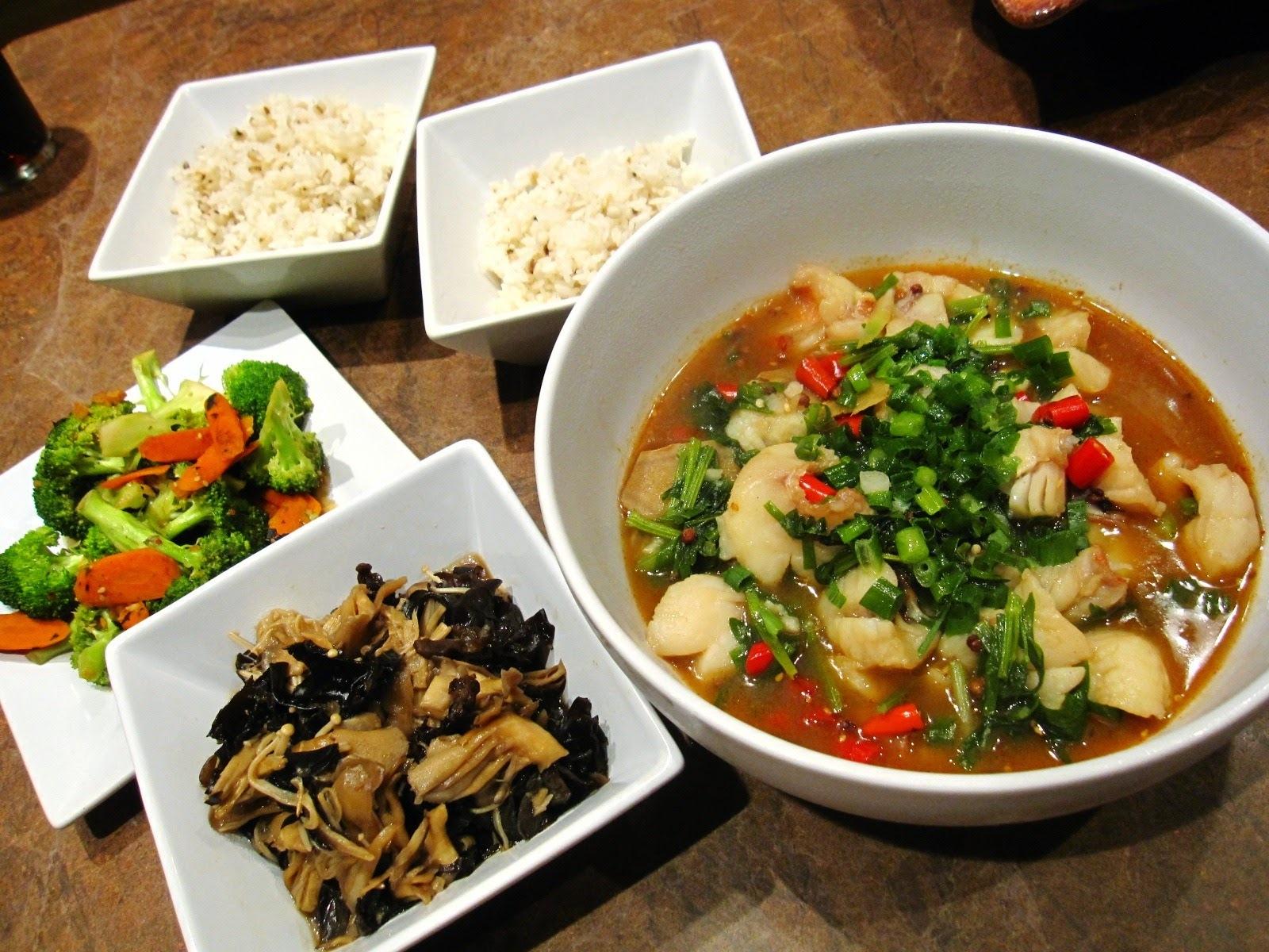 川味水煮魚片、醬燴三姑、炒蔬菜