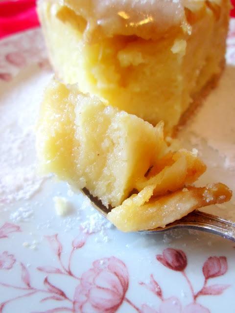 Jeftina starinska torta od griza i jabuka