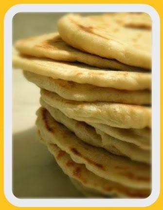 Pão pita (sírio) caseiro