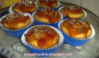 Cupcake de Fubá com recheio e cobertura de goiabada