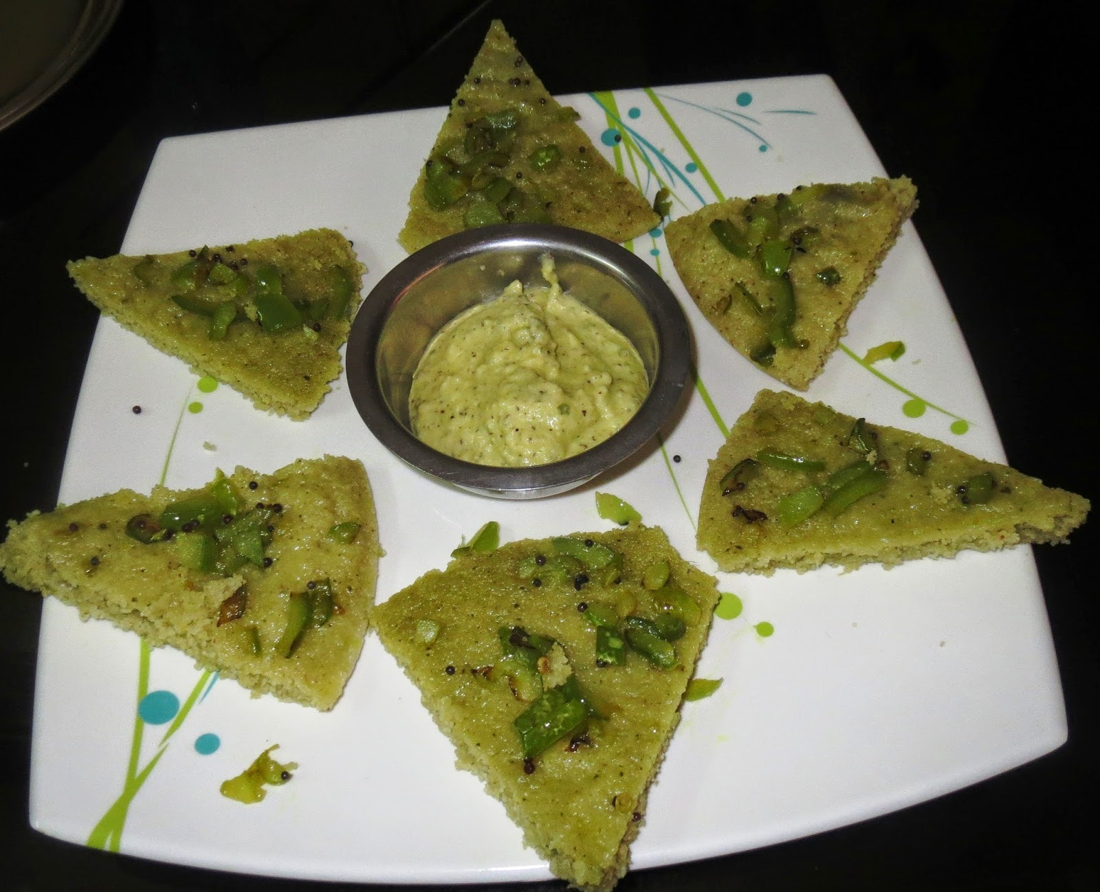 Capsicum topped Rava idli & Mango Chutney