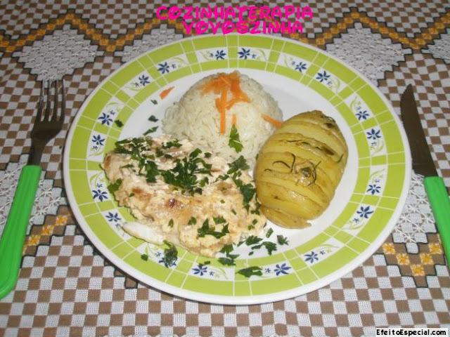 Filé de tilapia com creme de cebola+salada Árabe