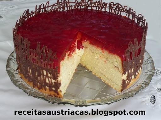TORTA  PANNA COTTA DE AMÊNDOAS COM CEREJAS - Kirschen-Mandel-Panna-cotta-Torte