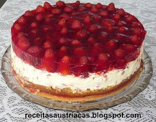 TORTA ESPELHADA DE MORANGOS ou MIRTILOS - Heidelbeer - Schmand – Torte