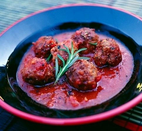 Receta de Albondigas en salsa de tomate facil