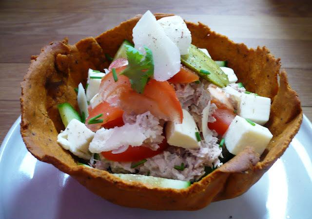 Bol de nachos maison pour salade composée