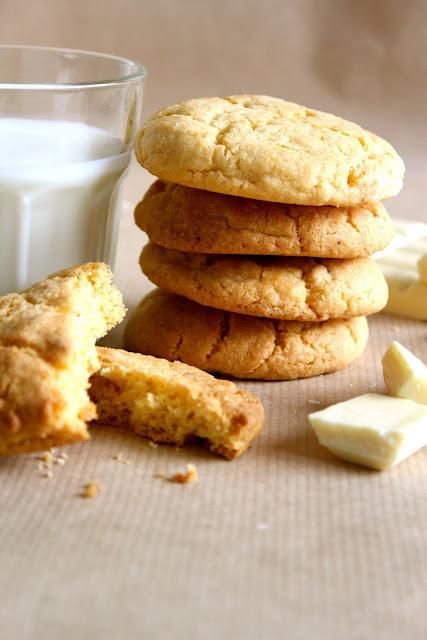 custard and white chocolate cookies