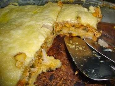 Torta Assada de Pão de Fôrma Recheada com Creme de Milho e Frango