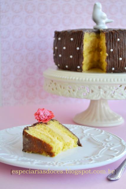 como decorar bolo com cobertura de manteiga com leite condensado
