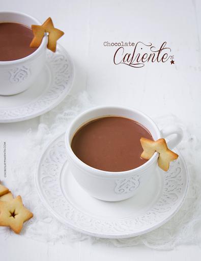 Chocolate Caliente esperando la llegada de los regalos