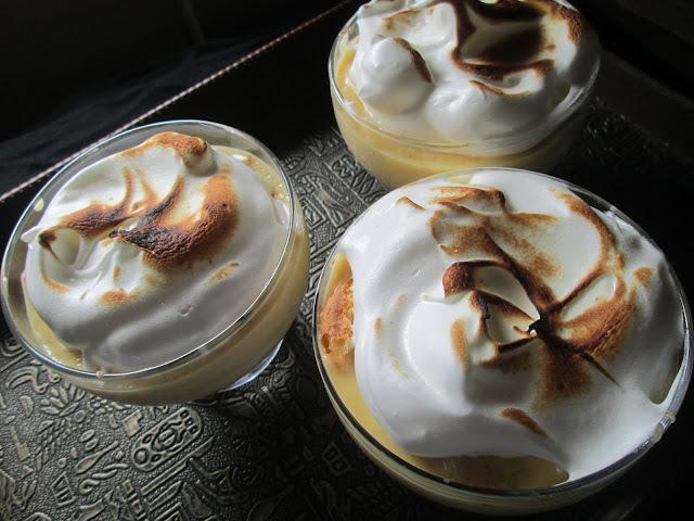 Tres leches  glass dessert ( Postre Tres leches en copas)