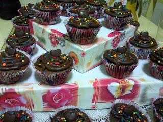 como fazer cupcakes com recheio que vai ao forno