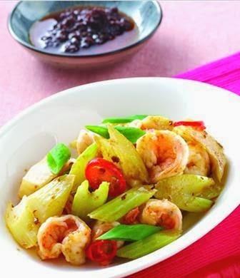Shrimp fried celery
