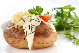 Batatas recheadas com creme de gorgonzola