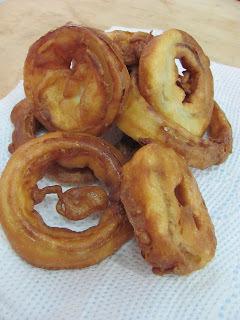 de anéis de cebola empanada frita