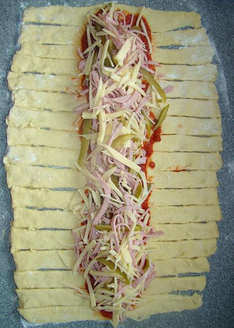 de pão de liquidificador recheado com presunto e mussarela