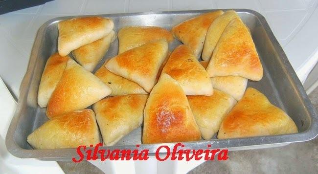 Esfiha de frango com catupiry, de Silvania Oliveira