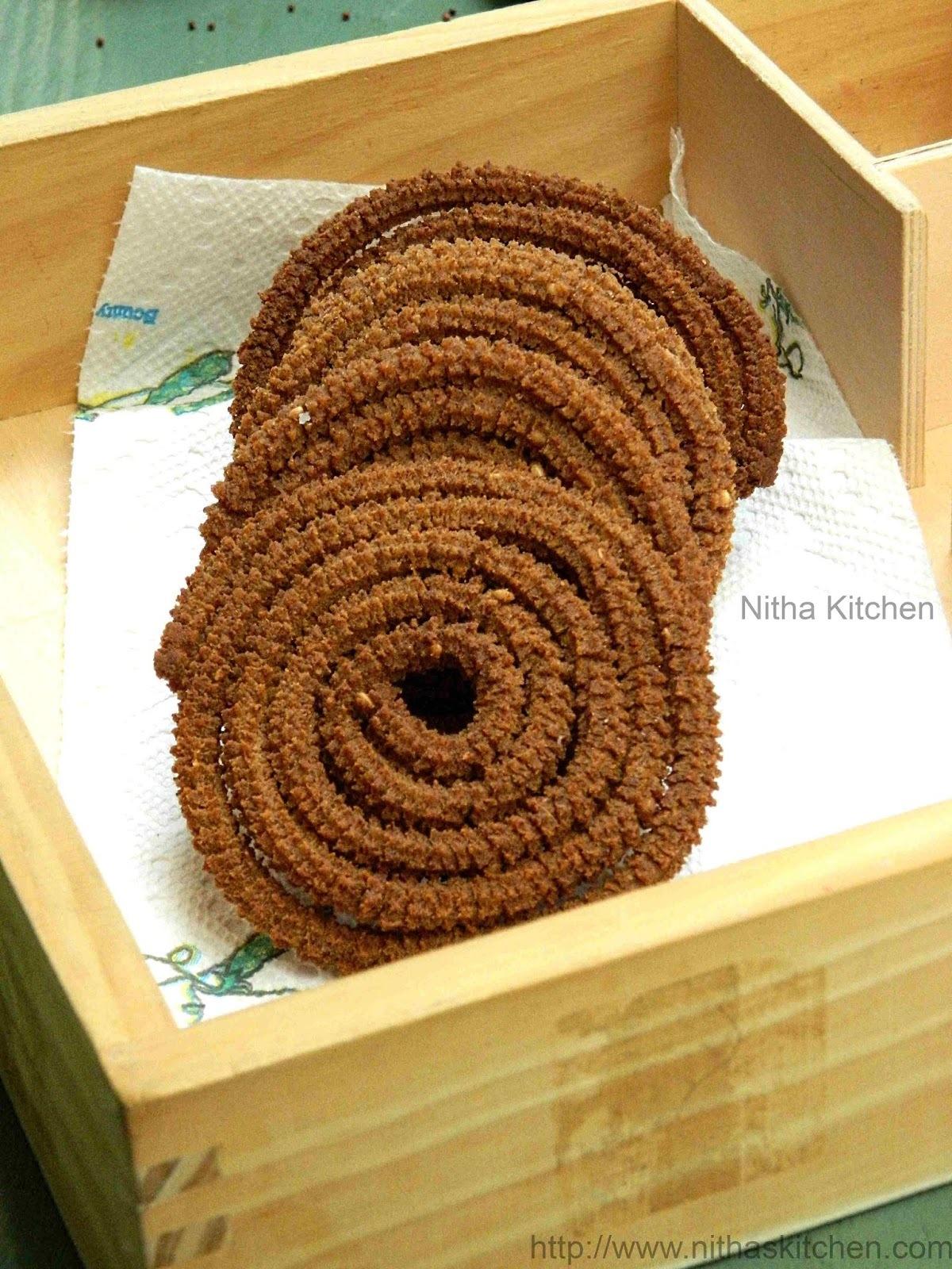 Ragi Murukku | Finger Millet Chakli Recipe | Kelvaragu Mullu Murukku