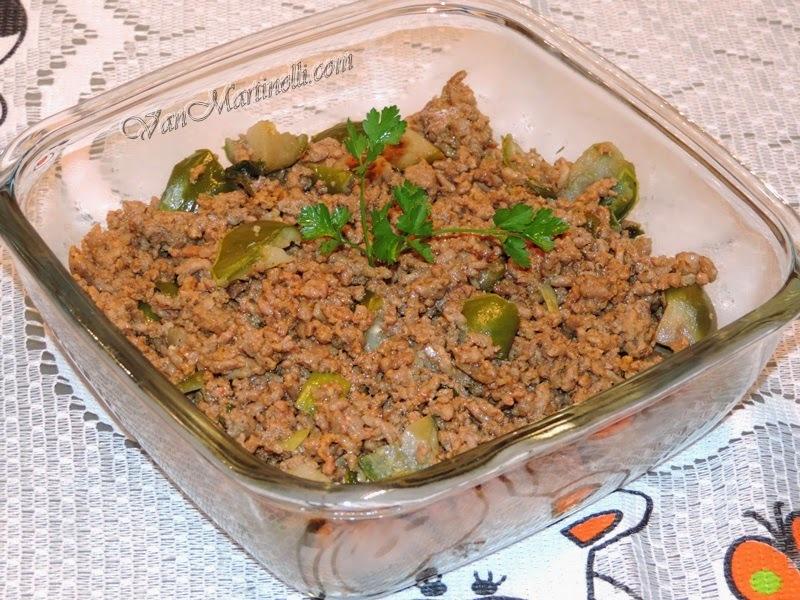 Carne moída com jiló