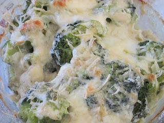 Brócolis de Forno com Molho de Maionese