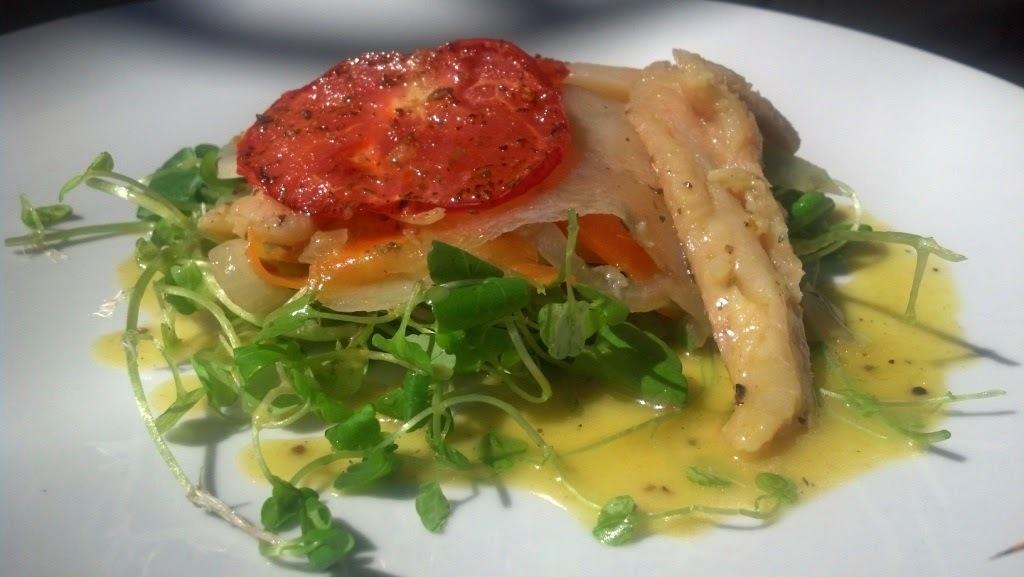 Lascas de Bacalhau com legumes cozidos no azeite
