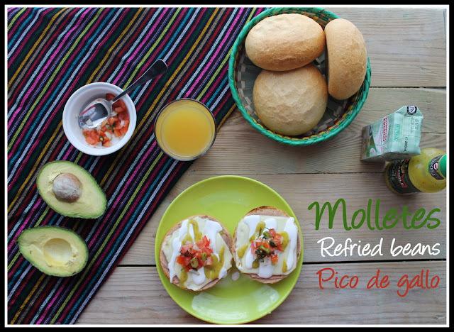 Desayuno a la mexicana/ Mexican Breakfast... Molletes con pico de gallo