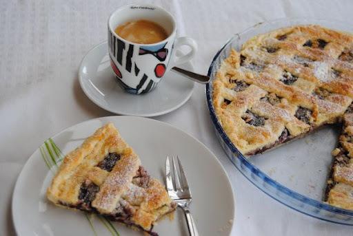 Višňovo-marcipánový krehký koláčik