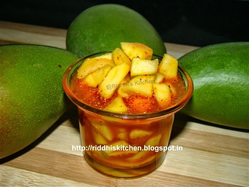 Zatpat Gor Keri ( sweet mango pickle)