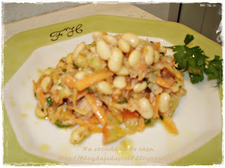 Salada de Soja com Atum Defumado ao Molho de Azeite Cebola e Alho