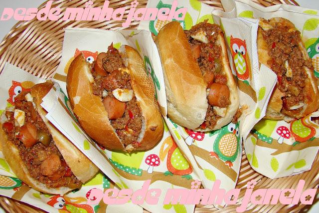 molho de cachorro quente de carne de panela cozida