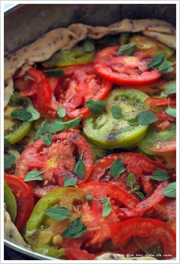 de algum lugar da memória: torta rústica de tomates verdes e maduros