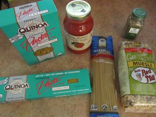 Sopa de carne, bacon e legumes com macarrão sem glúten