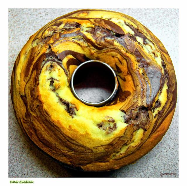 Το κέικ της Δευτέρας: Αφράτο τρυφερό και δίχρωμο!