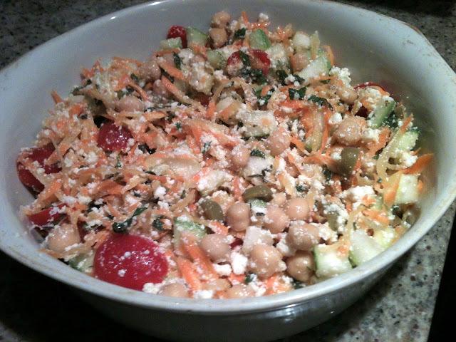 Uma salada leve como deve ser a vida