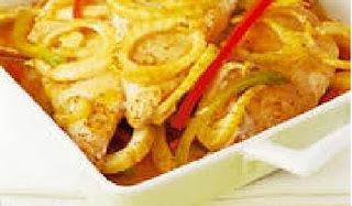 Jueves: Reineta con Pimentones a la Mostaza y Papas, cebollas y champis al horno