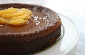 bolo feito na forma removivel