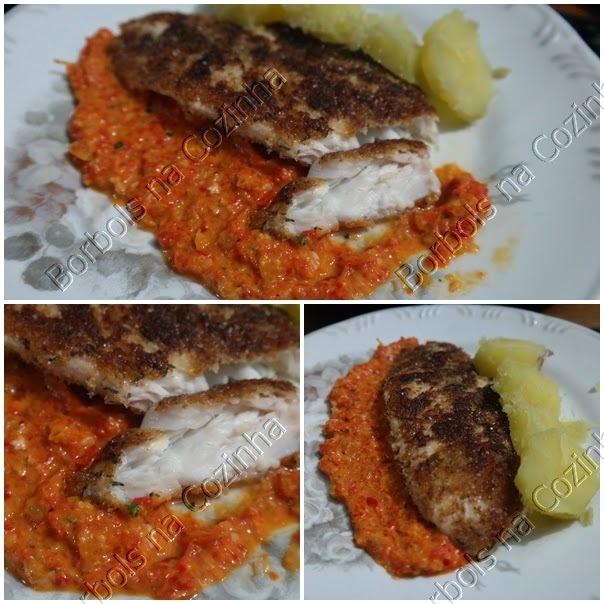 Filé de peixe empanado com molho picante de pimentão a moda borbols low carb