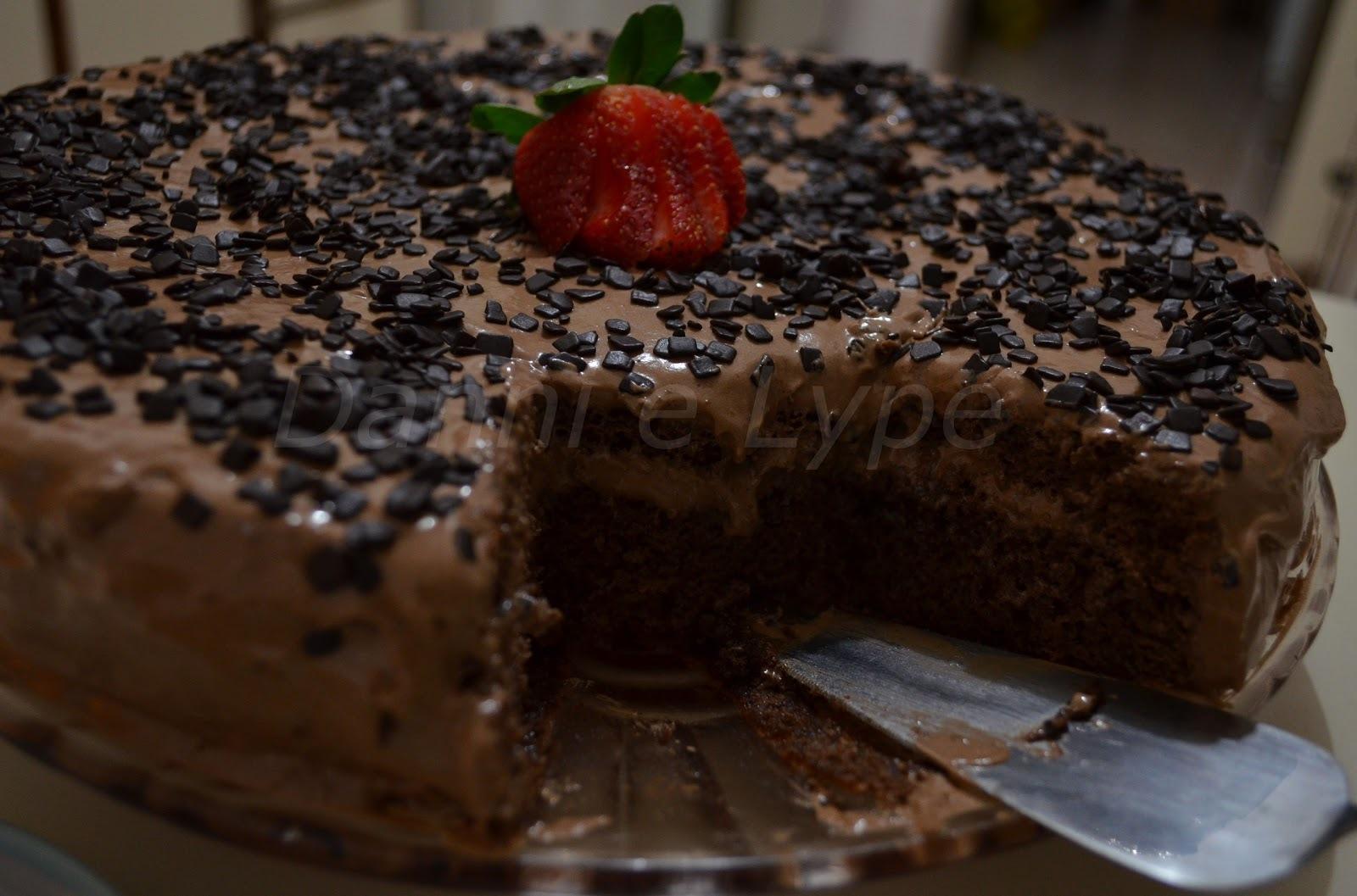 bolo de chocolate para aniversario para 60 pessoas