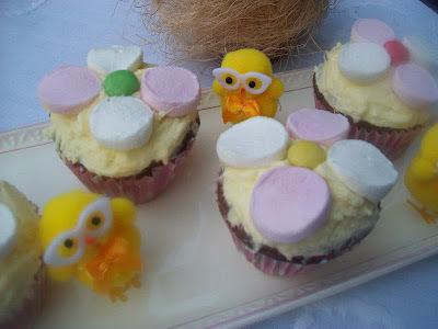 Velkonocne variacie - muffiny ako kvietky, zajaciky, baranceky