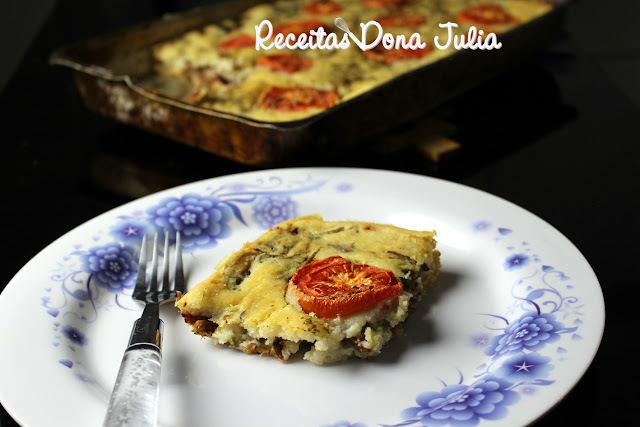 TORTA SALGADA DE CARNE E CHAMPIGNONS (SEM LEITE, SOJA E OVOS)